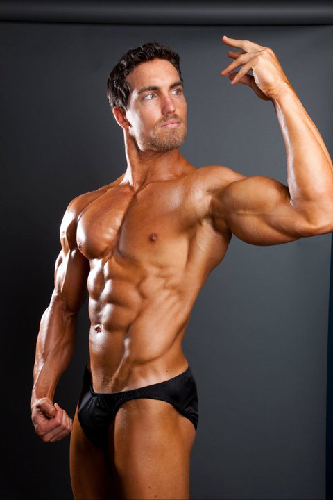 derek tresize vegan athlete