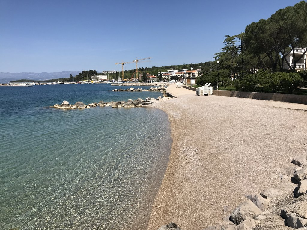 Gorgeous small beach in Malinska